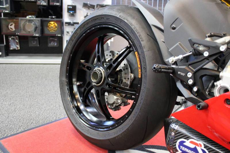 oz motorbike gass rs-a forged aluminum wheel set: ducati 1199