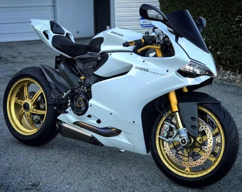 Akrapovic Evolution Titanium Full Exhaust System: Ducati