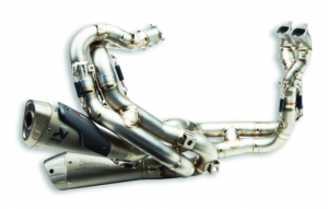 Akrapovic - Akrapovic Full Titanium Exhaust System: Ducati Panigale V4/S/R [Only 2 at this incredible price] - Image 1