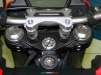 Ducabike Handelbar Clamp: Ducati HYPERSTRADA/HYPERMOTARD 821-939