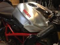 Motowheels - Ducati Streetfighter 1098/848 Aluminum Tank