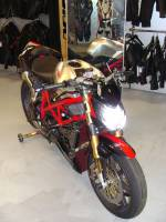 Motowheels - Motowheels Project Bike: 2010 Ducati Streetfighter - Image 16