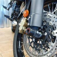 Speedymoto - SPEEDYMOTO Front Axle Slider: Triumph Tiger 800/XC / Explorer/XC